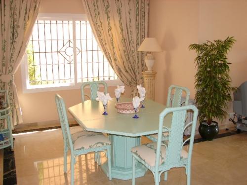 bildergalerie venalmar 22 essbereich im wohnzimmer bild 4 14. Black Bedroom Furniture Sets. Home Design Ideas