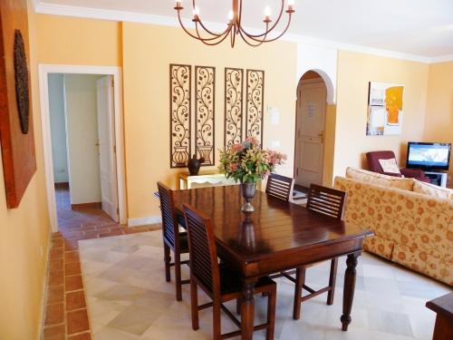bildergalerie la perla de marakech 4 essbereich im wohnzimmer bild 23 25. Black Bedroom Furniture Sets. Home Design Ideas