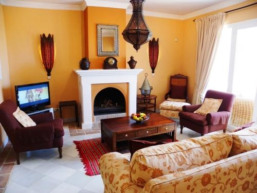 bildergalerie la perla de marakech 4 gem tliche ecke vor dem kamin bild 3 25. Black Bedroom Furniture Sets. Home Design Ideas