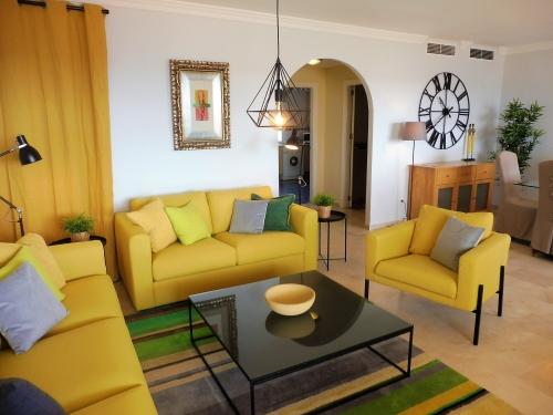 bildergalerie strandpenthouse bermuda beach 3 gem tliches wohnzimmer bild 5 25. Black Bedroom Furniture Sets. Home Design Ideas